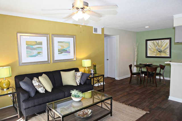 Shamrock Cedars Apartments Houston