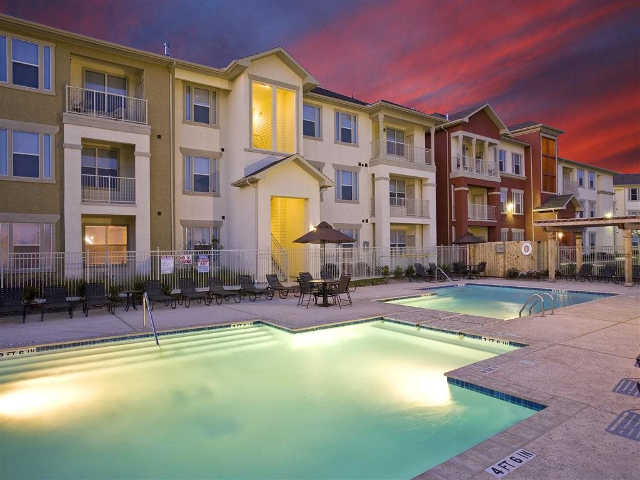 Costa Vizcaya Apartments in Houston