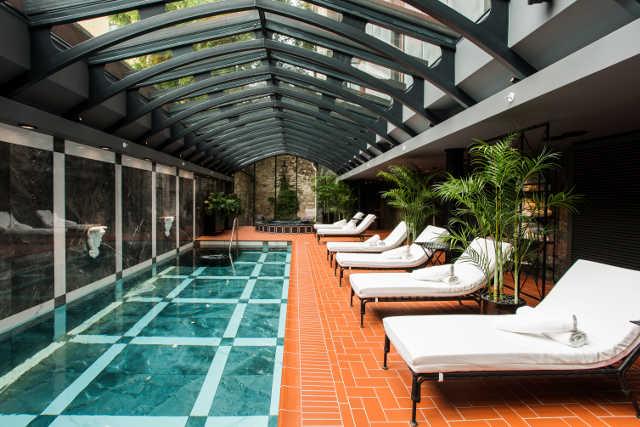 Hotel Telegraaf, Pool Area