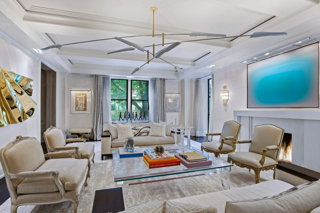 Living room/ 625 Park Avenue, Apt 1A-D, New York, NY/ Photo credit: Heidi Solander