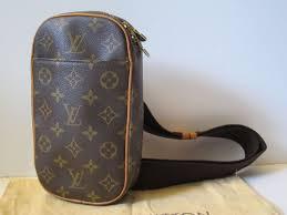 Louis Vuitton Gange Body Bag