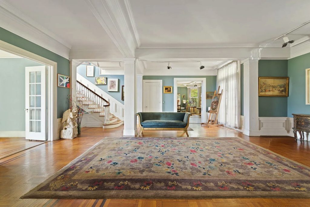 5247 Independence Avenue/Living Room/Photo credit: Christie's International Real Estate