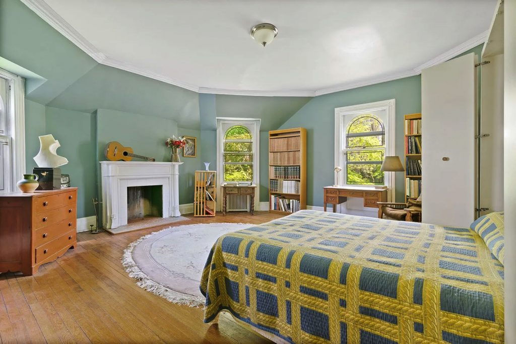 5247 Independence Avenue/Bedroom/Photo credit: Christie's International Real Estate